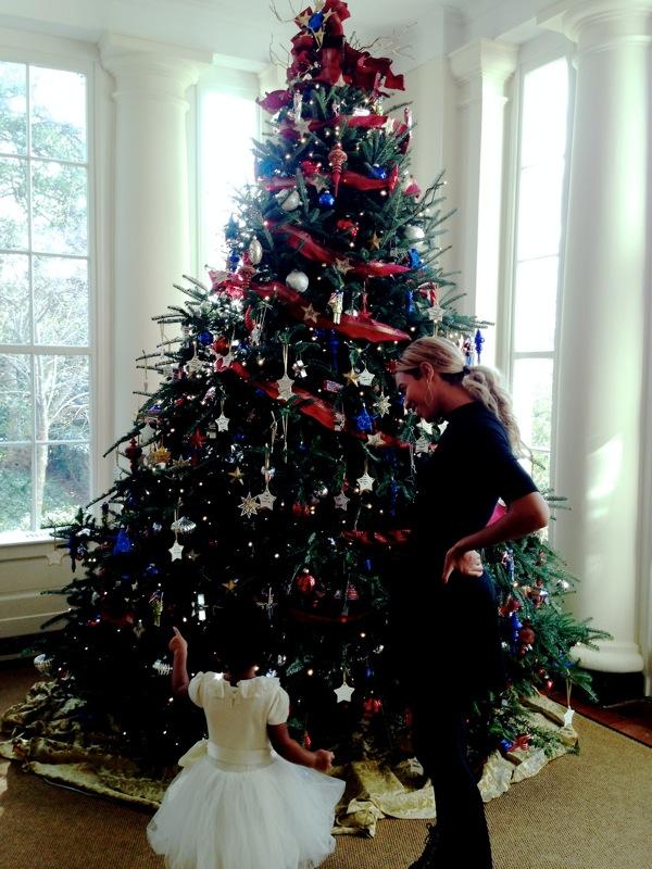 Blue-Ivy-White-House-Christmas-tree