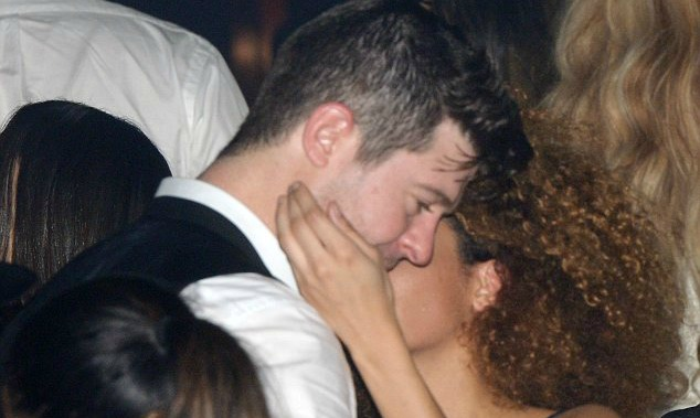 Robin Thicke Cheating 4