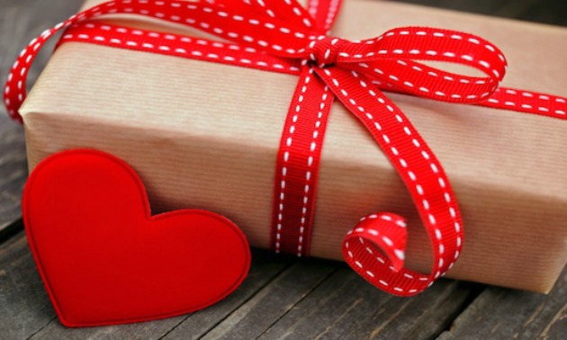 5 Valentine S Day Gifts Any Man Will Think Are Awesome The Urban