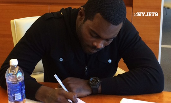 michael vick signs with jets.jpg