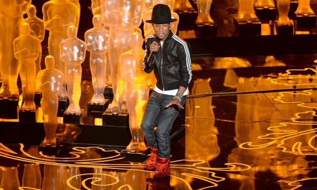 "Pharrell Williams Performs ""Happy"" At Oscars 2014 [VIDEO ..."