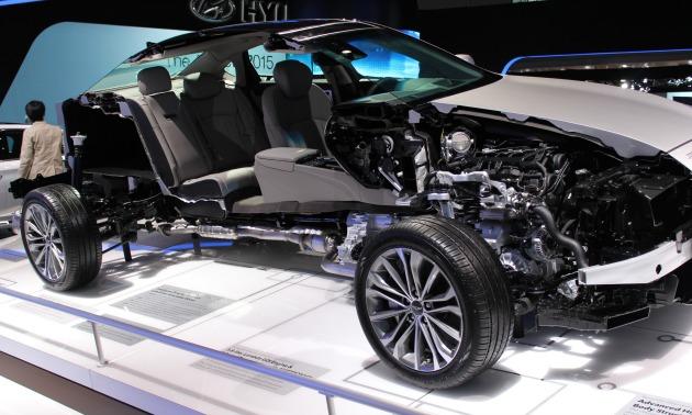 Auto show 2014 Hyundai cutaway.jpg
