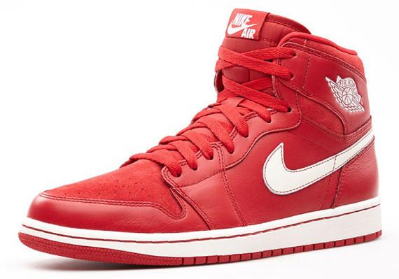 air-jordan-1-retro-high-og-gym-red-555088-601-03-570x399