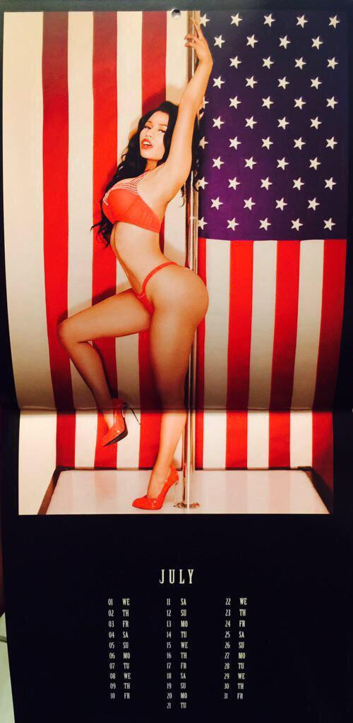 Nicki-Minaj-Calendar-8