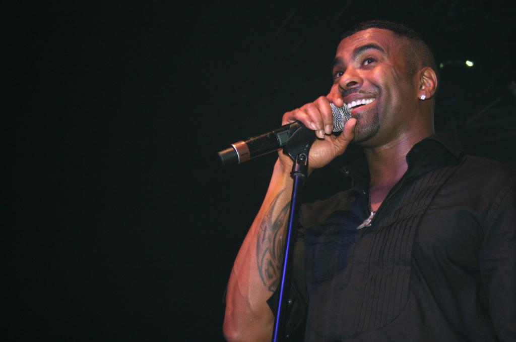For The Love Of R&B Concert Featuring Ginuwine & Bobby V