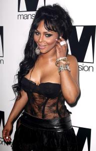 Lil Kim Birthday Celebration at Mansion - Arrival