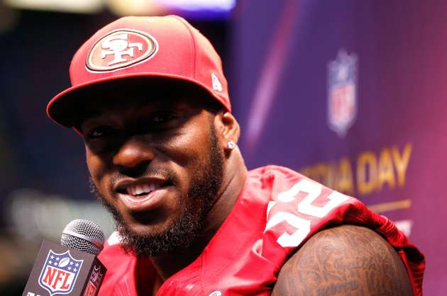 Patrick Willis has stunned the sports world by retiring early from the NFL.
