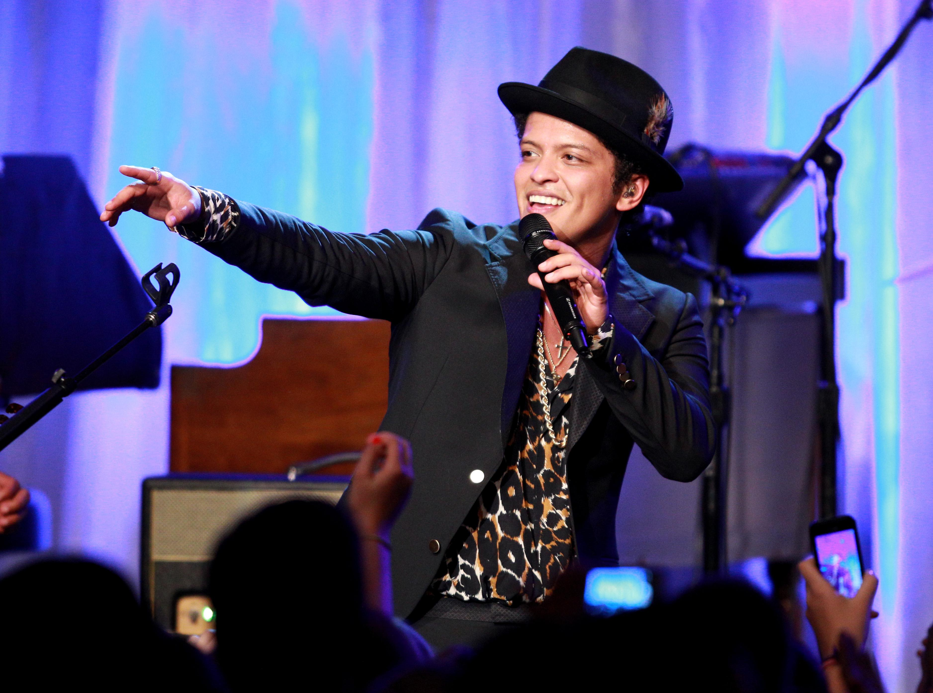Here's What Bruno Mars Thinks About Black People & American Music
