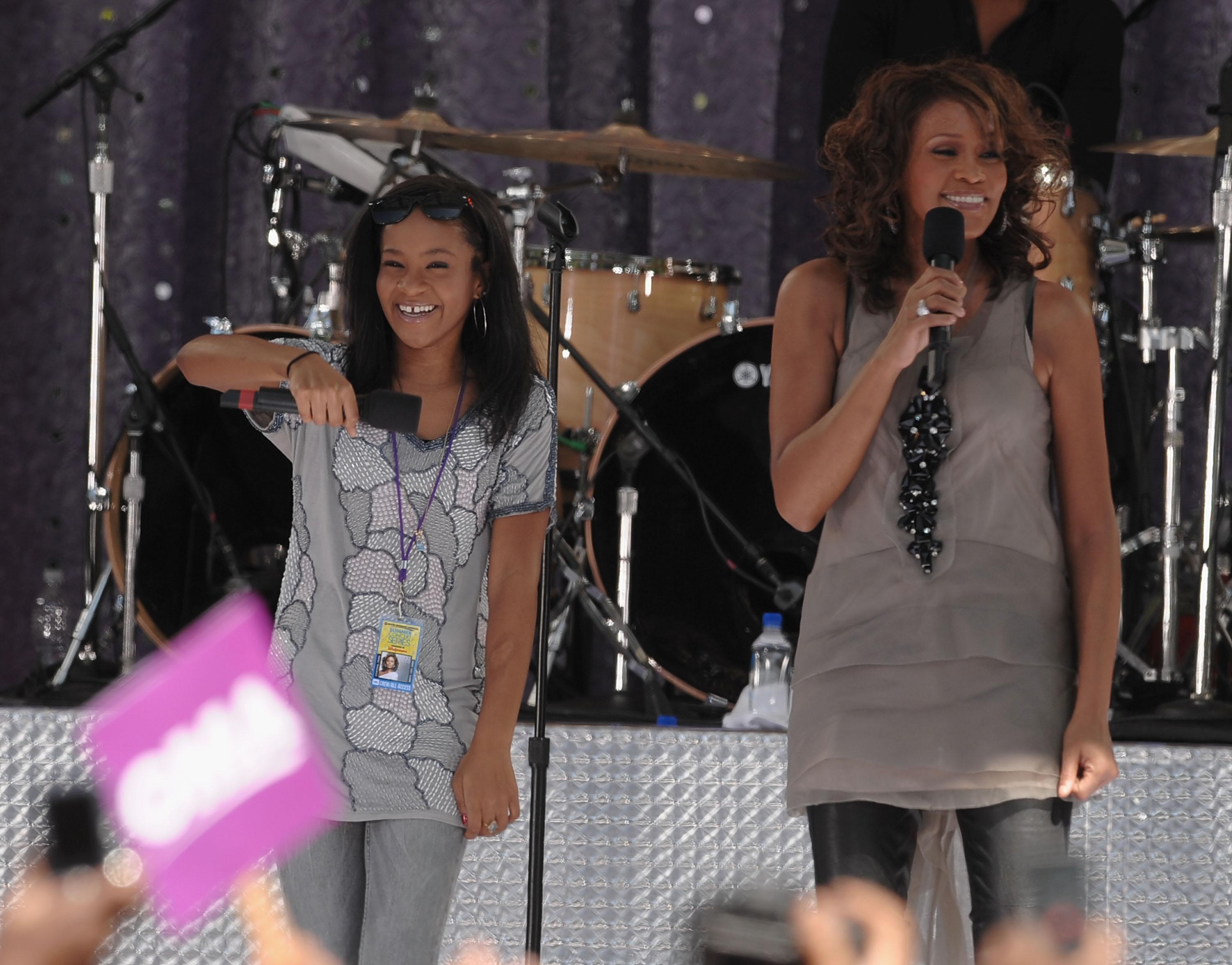 Whitney Houston Performs On ABC's 'Good Morning America' - September 1, 2009