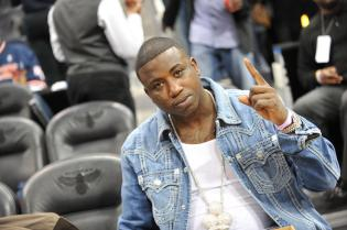 Celebrities Attend The New York Knicks vs. Atlanta Hawks - March 6, 2011