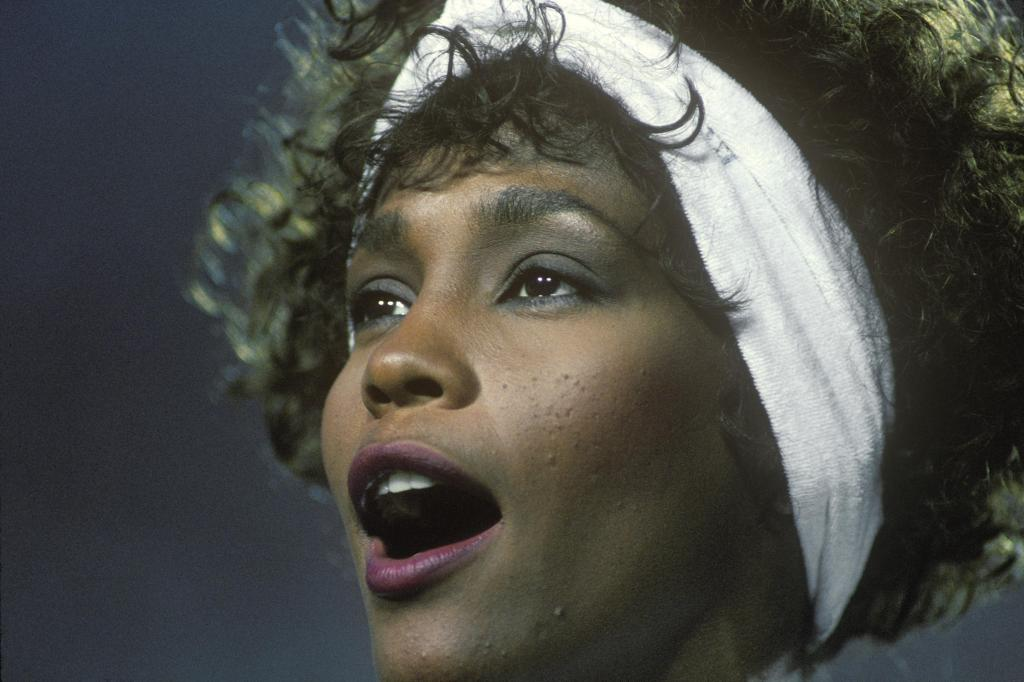 Whitney Houston Sings The National Anthem