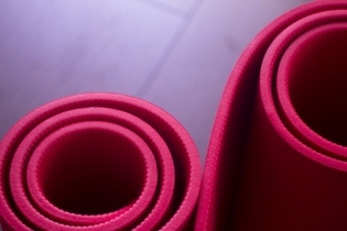 Red gym aerobics pilates yoga exercise mats