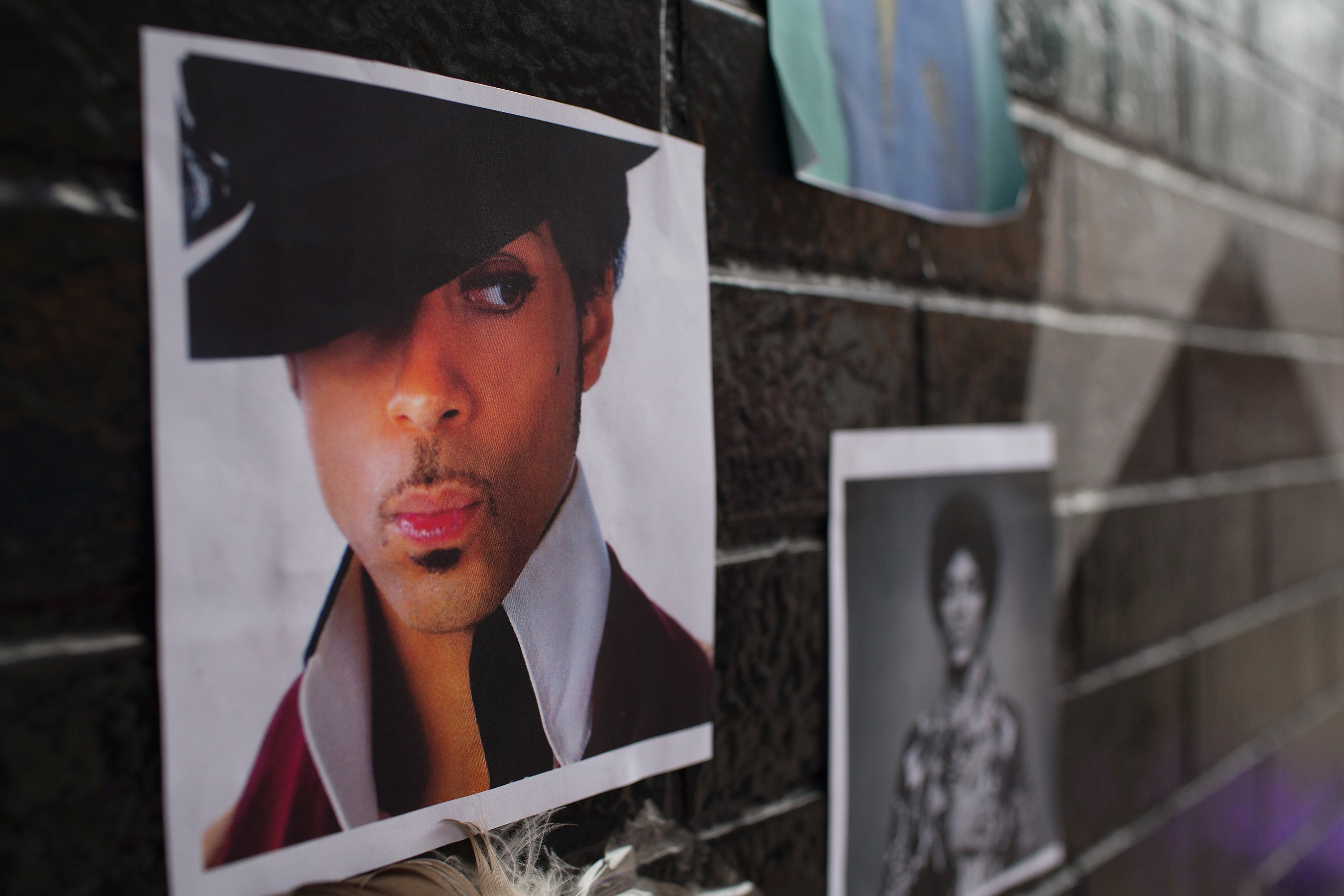 Minneapolis Area Mourns Death Of Native Son Prince
