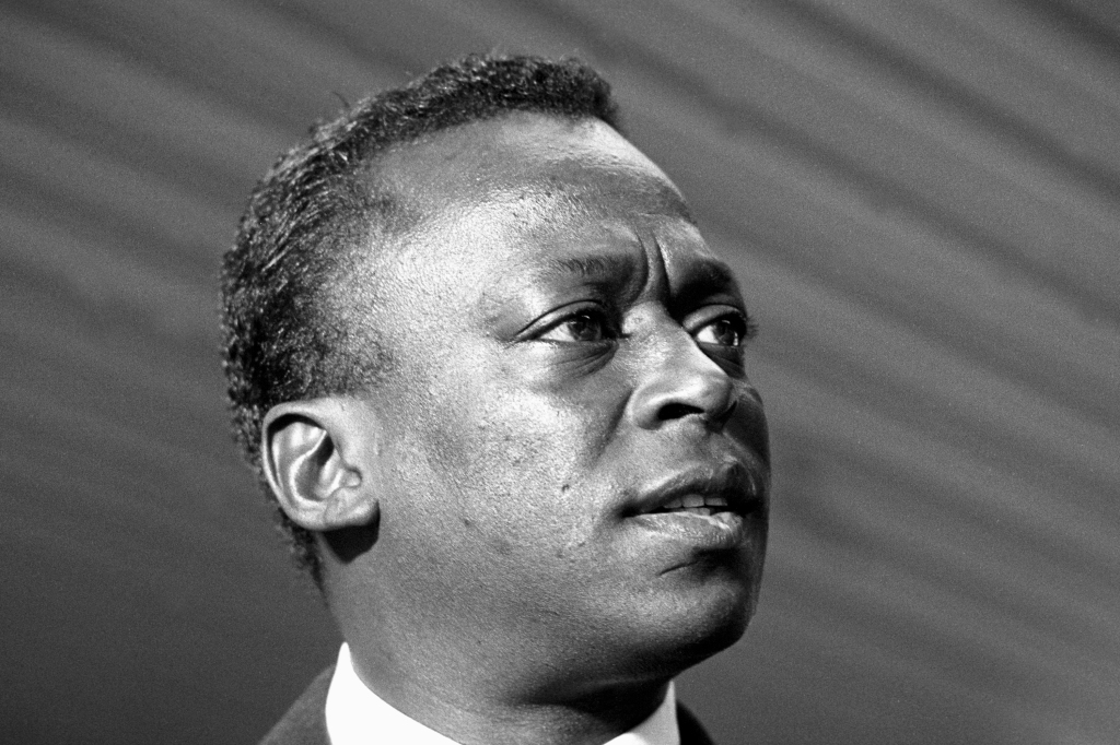 8 Ways Miles Davis Was The Definition Of Cool