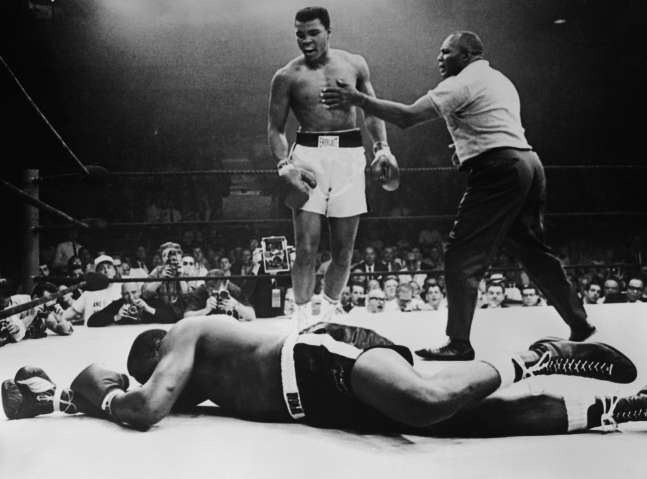 Muhammad Ali Knocks Out Liston