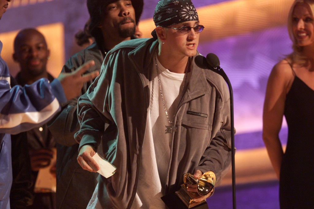 024976.CA.0221.Eminem2.km–– Eminem accepts for Best Rap Album at the 43rd Grammy Award Show held at