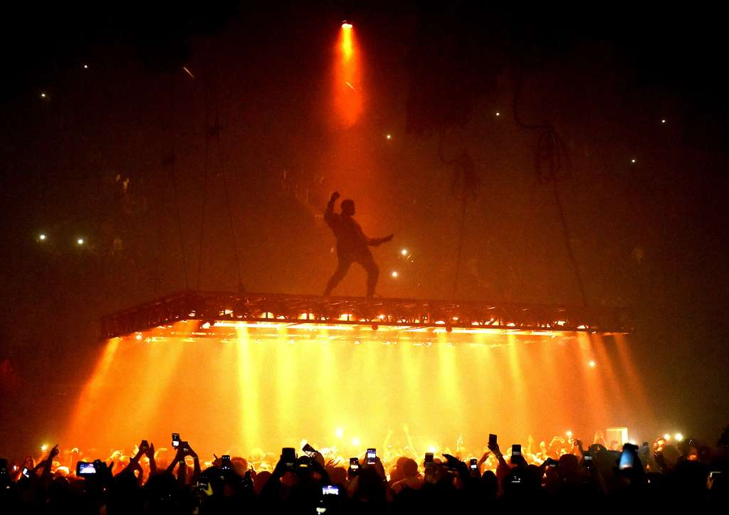 Kanye West Performs At The Forum